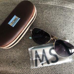 TOMS Maverick Classic 301 Aviator style sunglasses